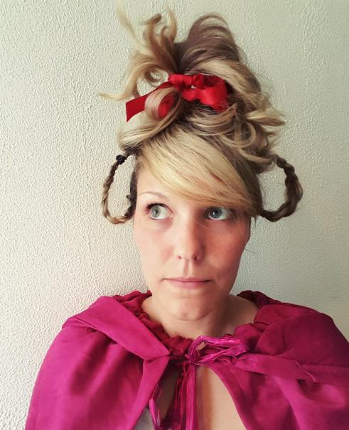 30 Days of Nerdy Hair Day 28 Cindy Loo Who HOw the Grinch Stole Christmas blog post