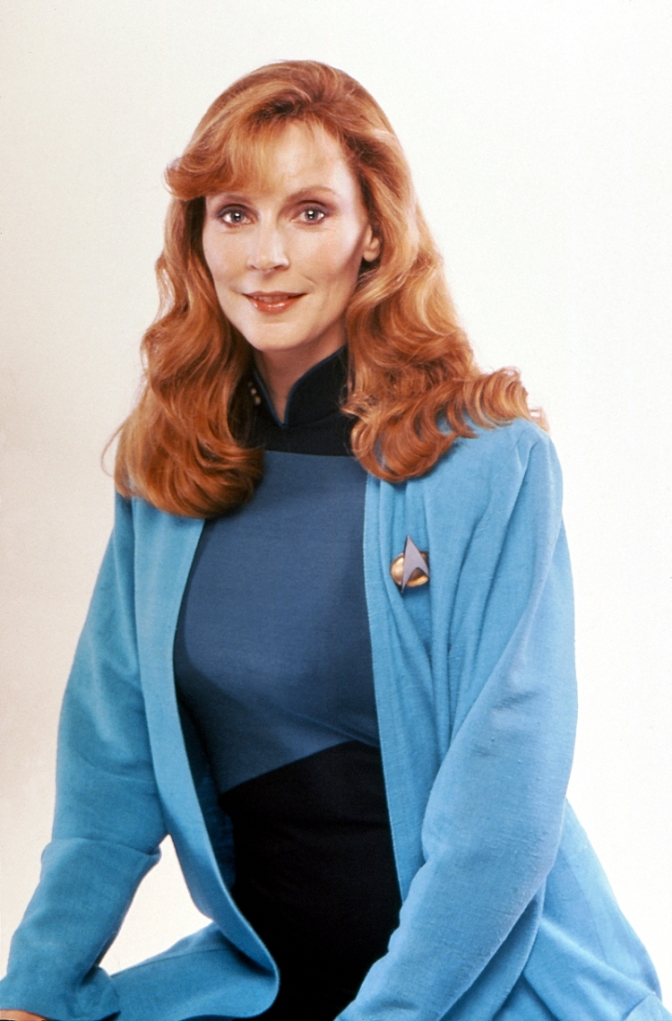 Thrift Store Cosplay Day 5 Beverly Crusher Star Trek The Next Generation fashion blog post