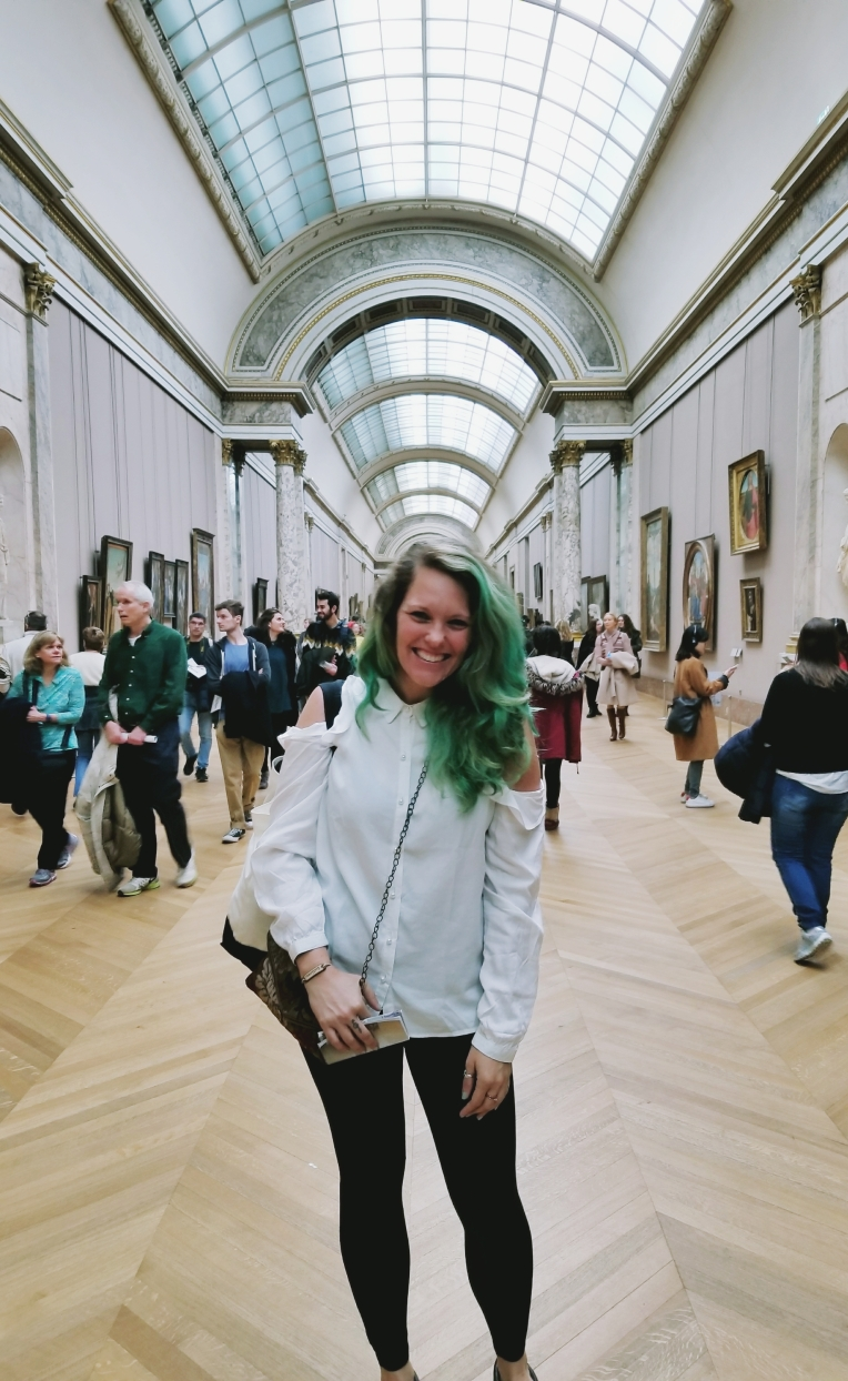 Lizzie does Parie - the Louvre