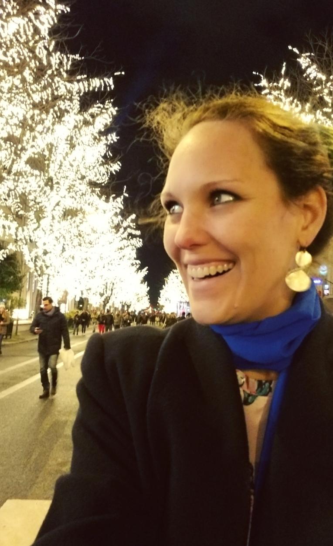 Lizzie does Paris - Champs Elysees