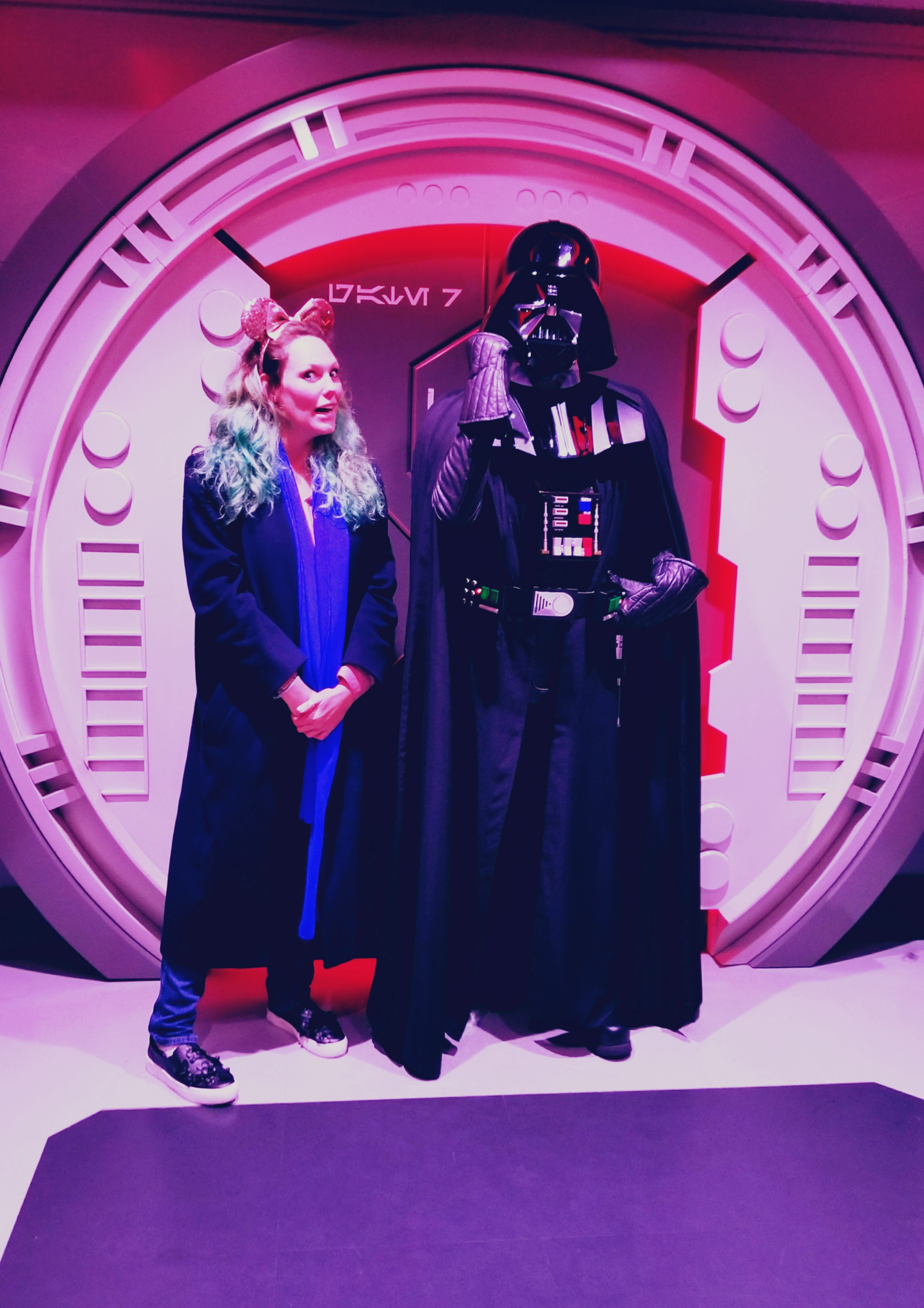 Lizzie Does Disneyland Paris - Darth Vader meet and greet