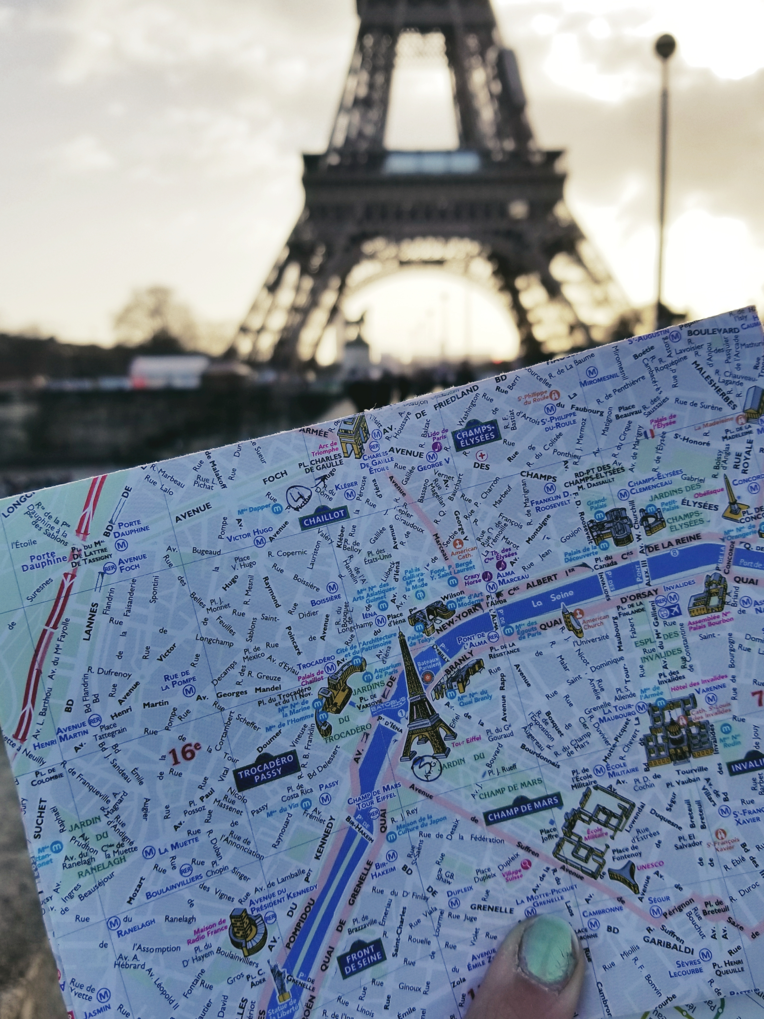 Lizzie does Paris - Eiffel Tower map