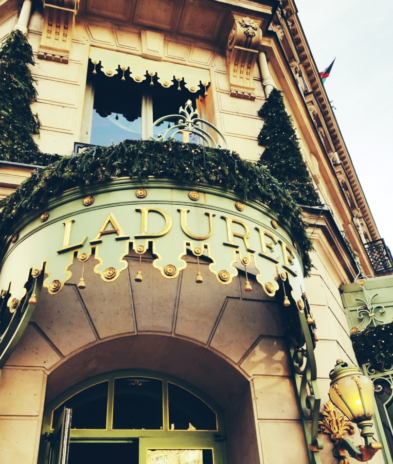 Lizzie does Paris - Laduree