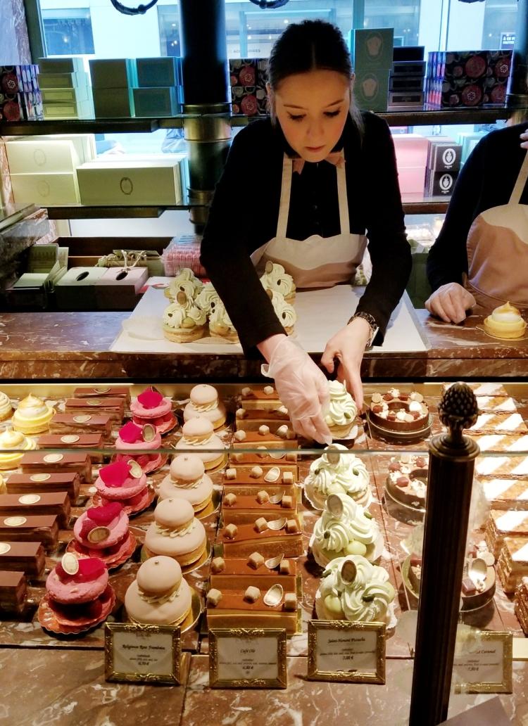 Lizzie does Paris - Laduree dessert