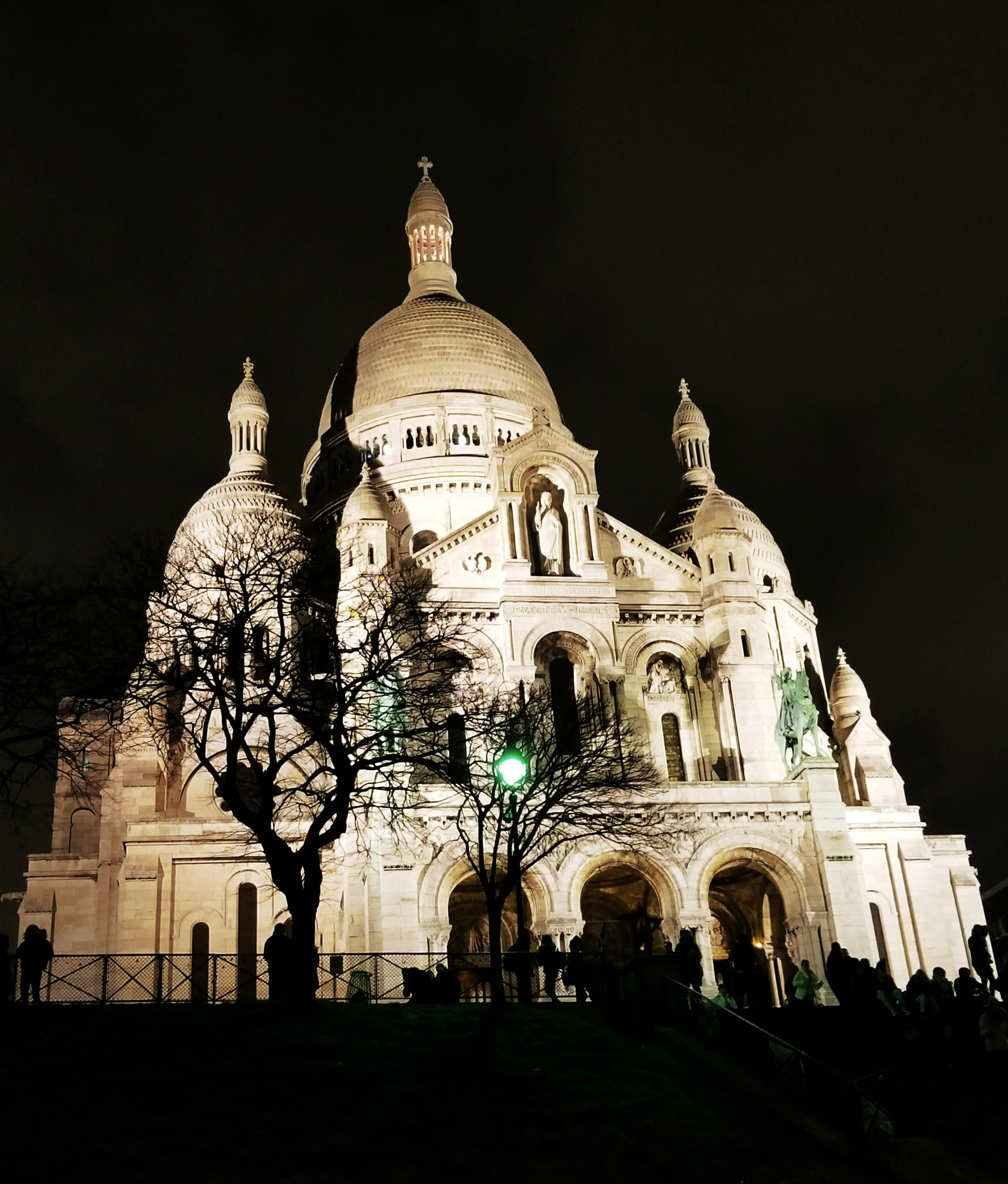 Lizzie does Paris - Sacre Coeur