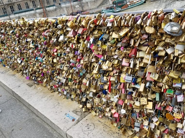 Lizzie does Paris - love bridge locks