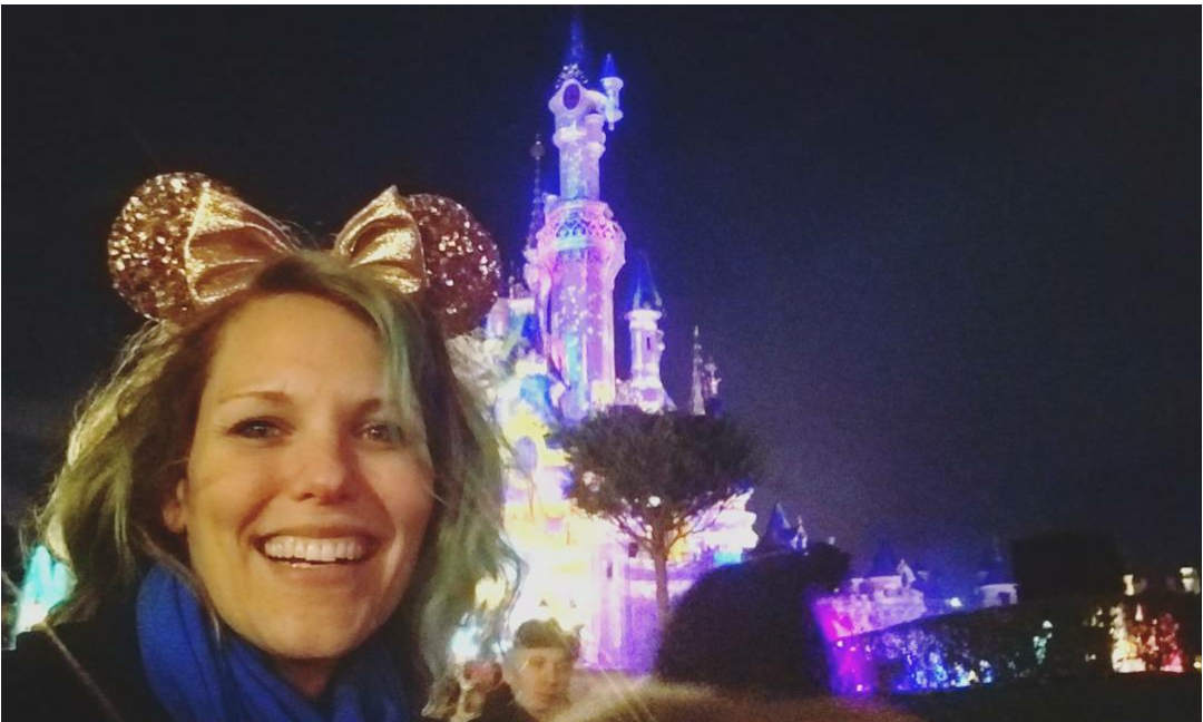 Lizzie Does Disneyland paris - Sleeping Beauty's Castle